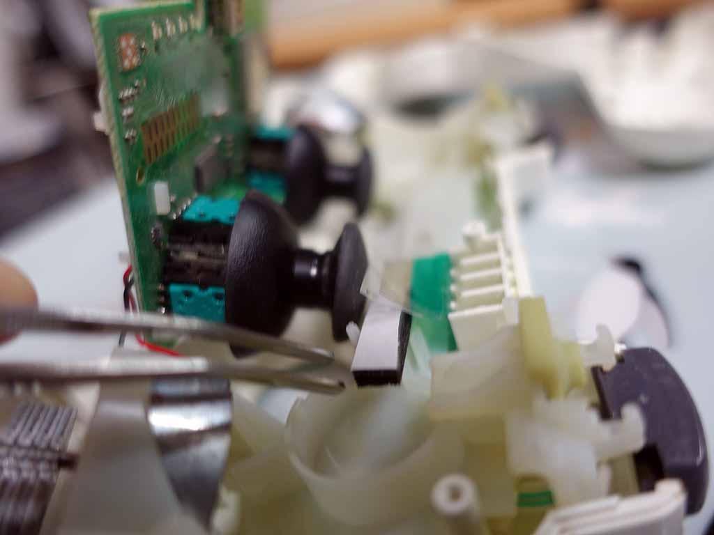 PS3コントローラーDUALSHOCK3修理(スポンジ取付)