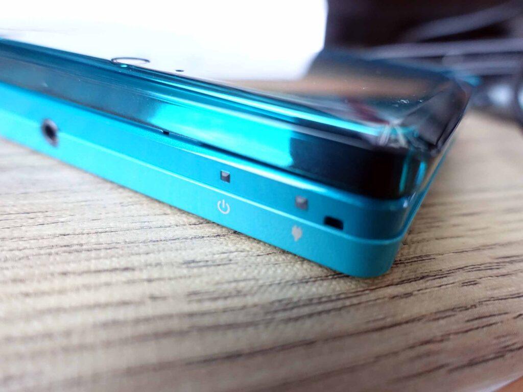 3DSバッテリー交換(バッテリー無しでは動かない)